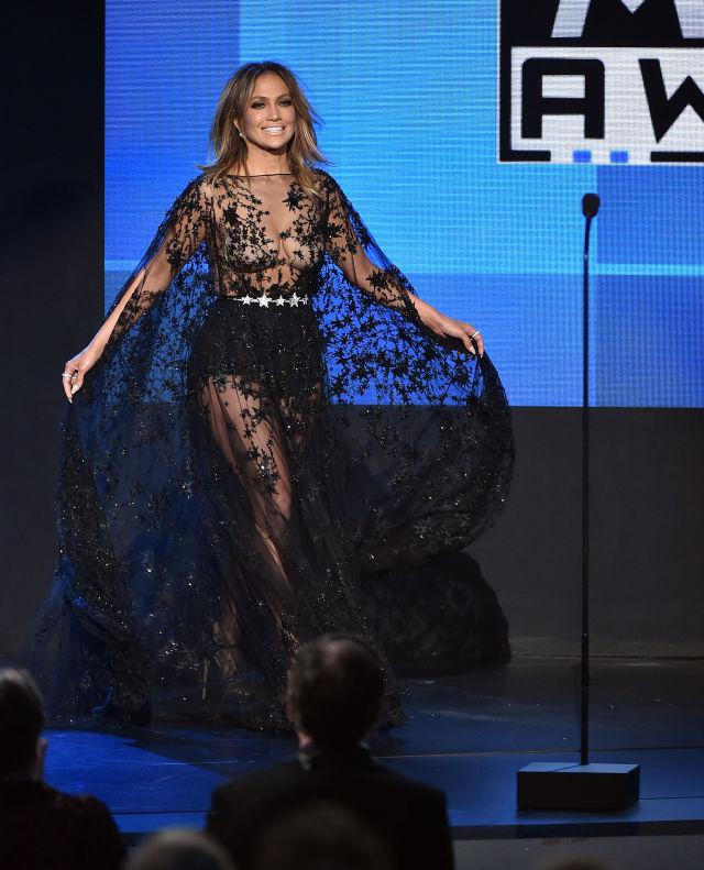 J.Loのレースドレス