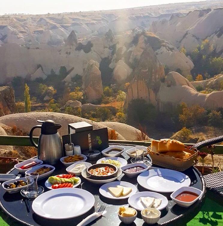 トルコの贅沢朝ごはん